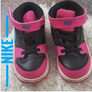 NIKE Toddlers hightop velcro/laces sneakers